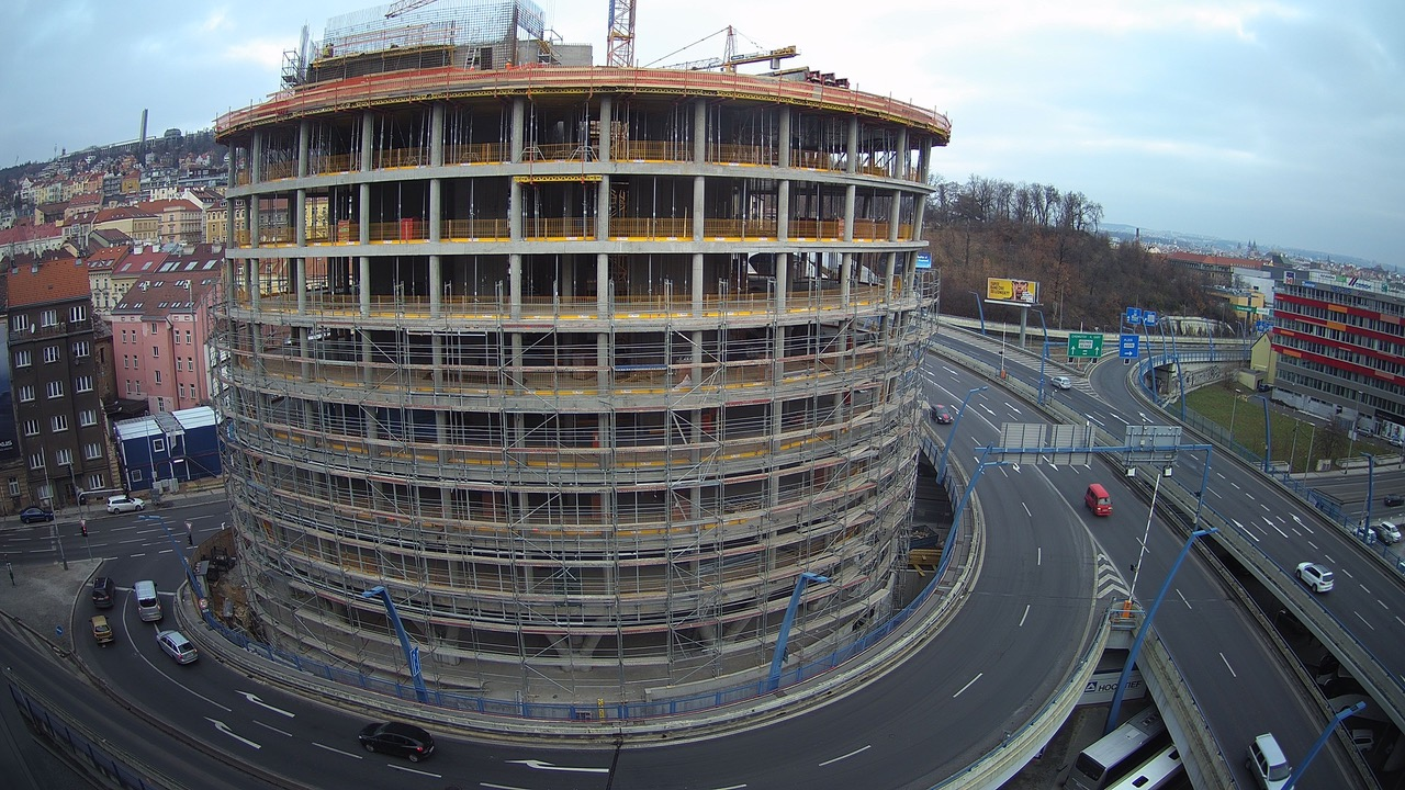 <p>Concrete work on the monolithic structure of the 6th floor had finished in the early November 2018. Thanks to the successful adhering to the project timeline, 7th and 8th floors should get finished towards the end of the year as well. These will be the last two to complete the full concrete work on the arising building.</p>